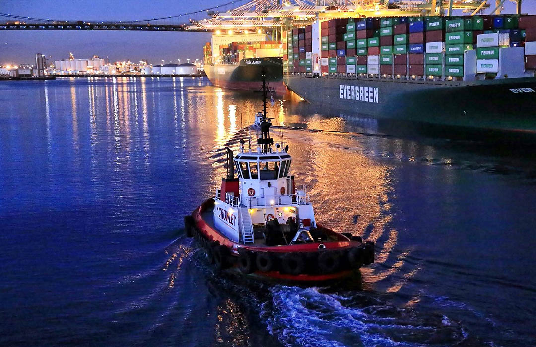 Port of Los Angeles. Los Angeles Helicopter Tours.
