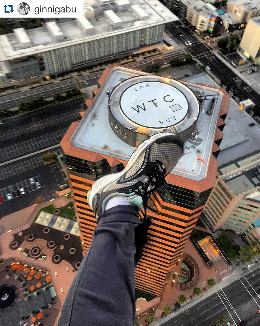 High flying act. Los Angeles Helicopter Tours. Photo: @ginnigabu