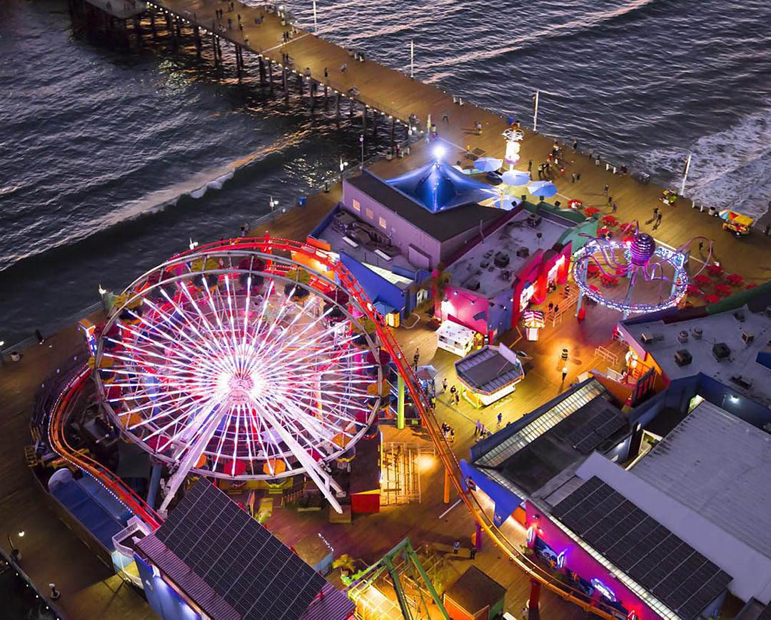 Santa Monica pier. Los Angeles Helicopter Tours.