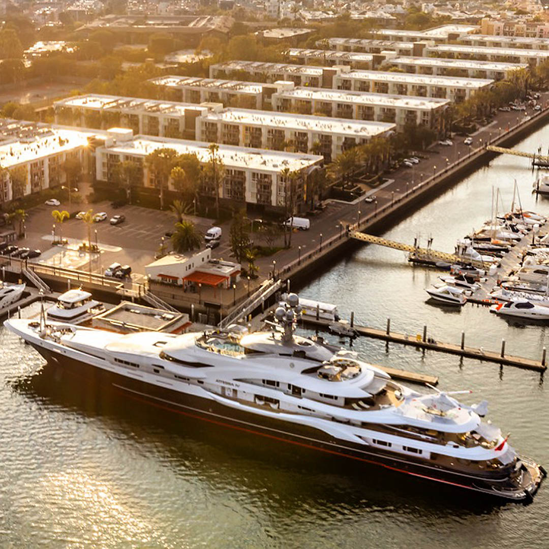 Super yacht. Los Angeles Helicopter Tours.