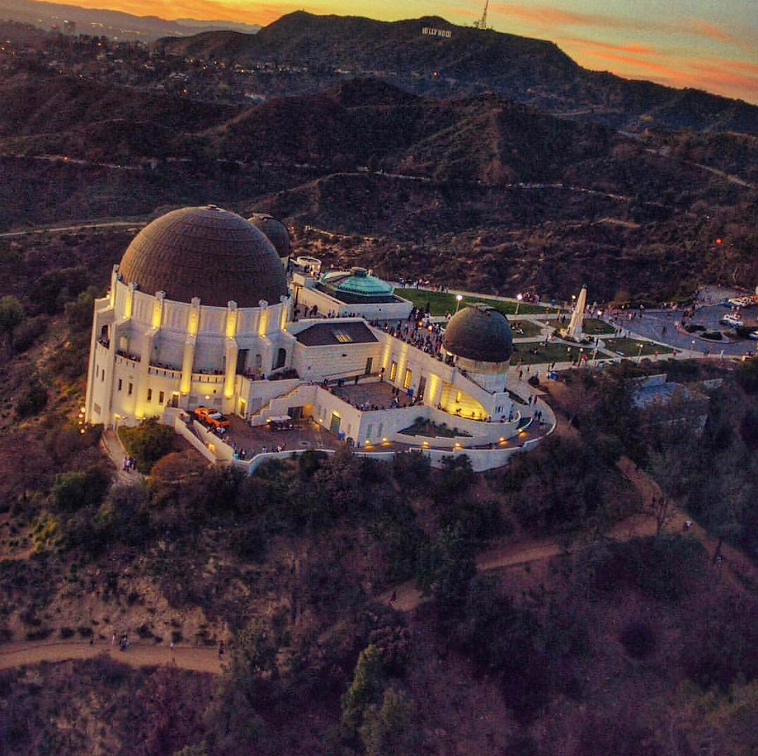 Griffith Observatory. Los Angeles Helicopter Tours.