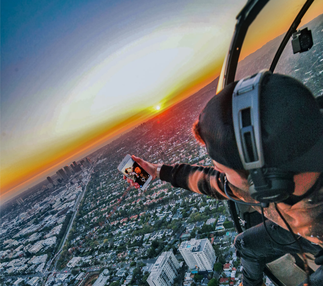 The Sky's the Limit. Los Angeles helicopter tours.